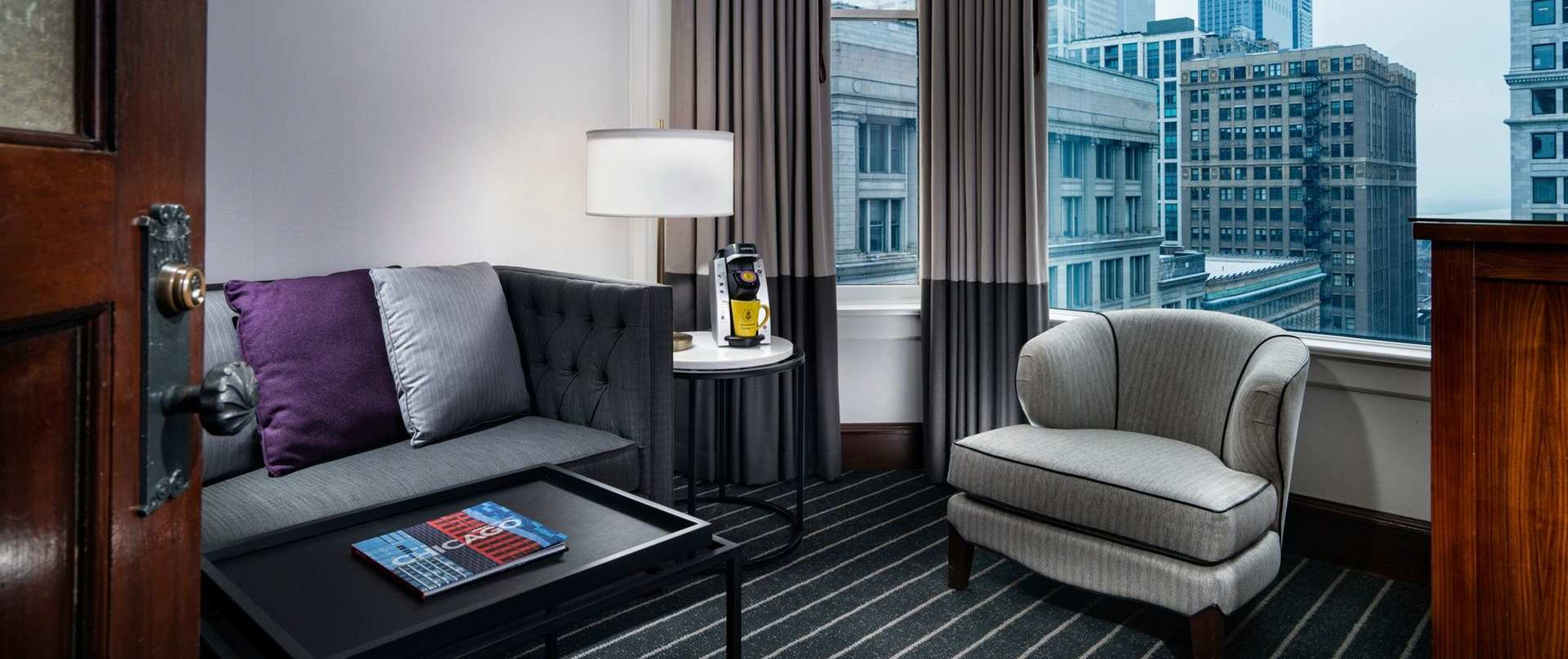 the-alise-chicago-1503-executive-king-suite-sitting-area.jpg